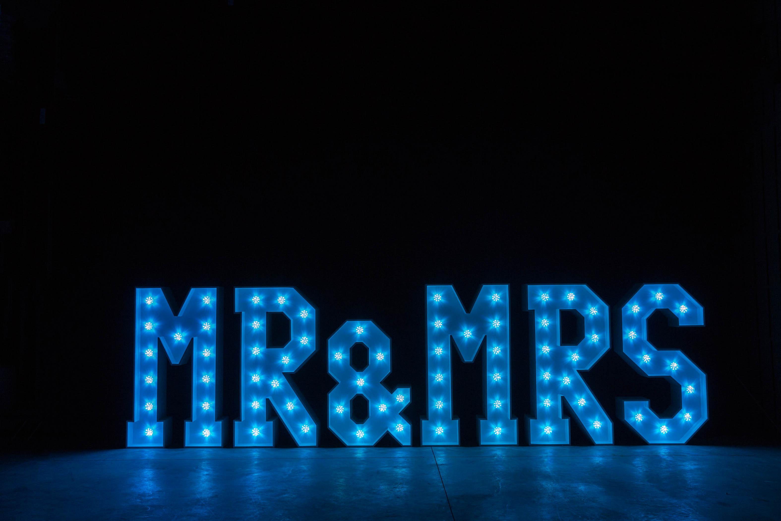 4' MR & MRS Letters - Light Blue Light - Photo by Viscosi Photography