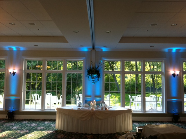 Tiffany Blue Themed Wedding At River Stone Manor Music Man