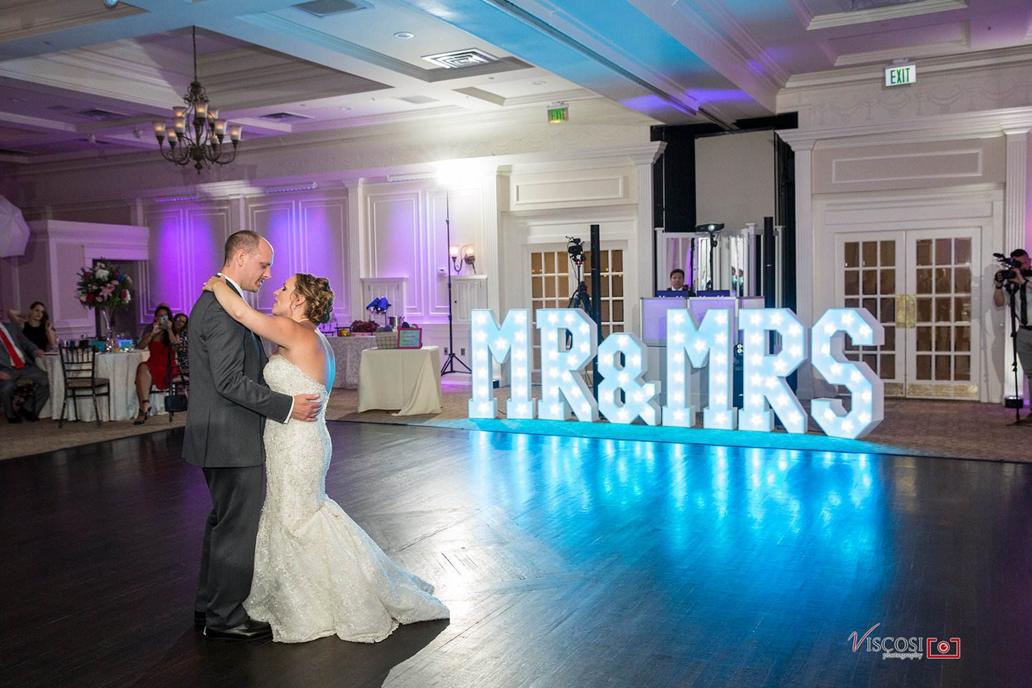 MR & MRS Letters at Glen Sanders Mansion